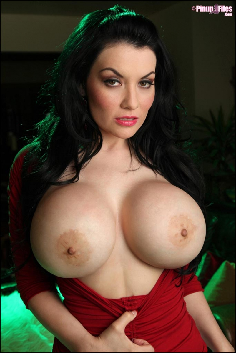 Dahlia dark big boobs
