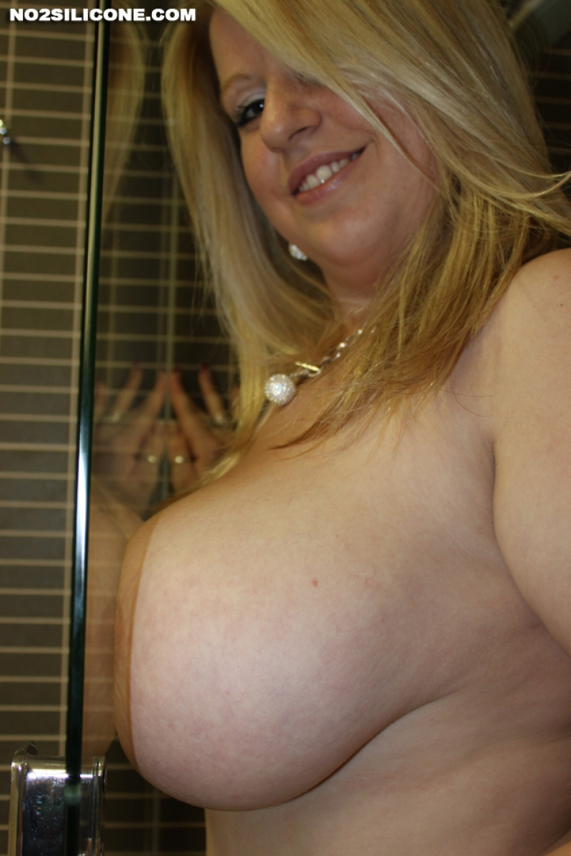 Natural breast fuck blonde wife
