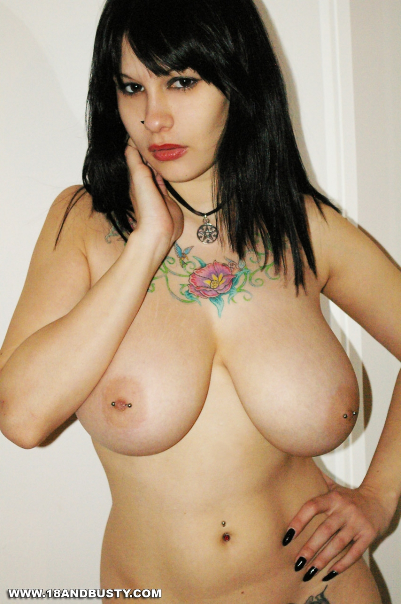 amateur with tattoos pics