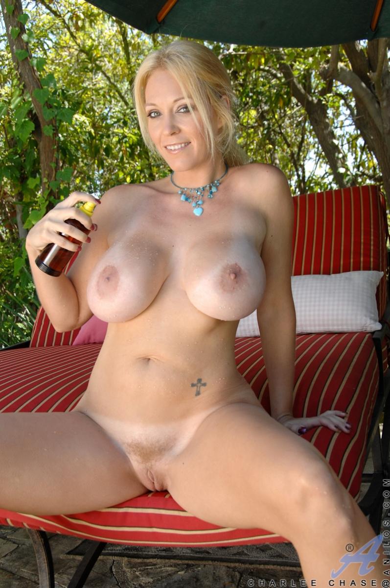 Nude women vivacious