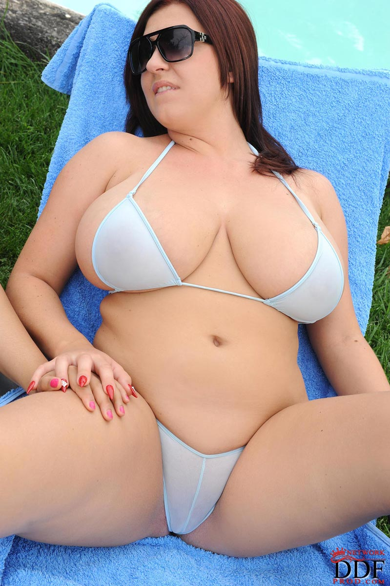 Lovely! soo Bikinis for big women