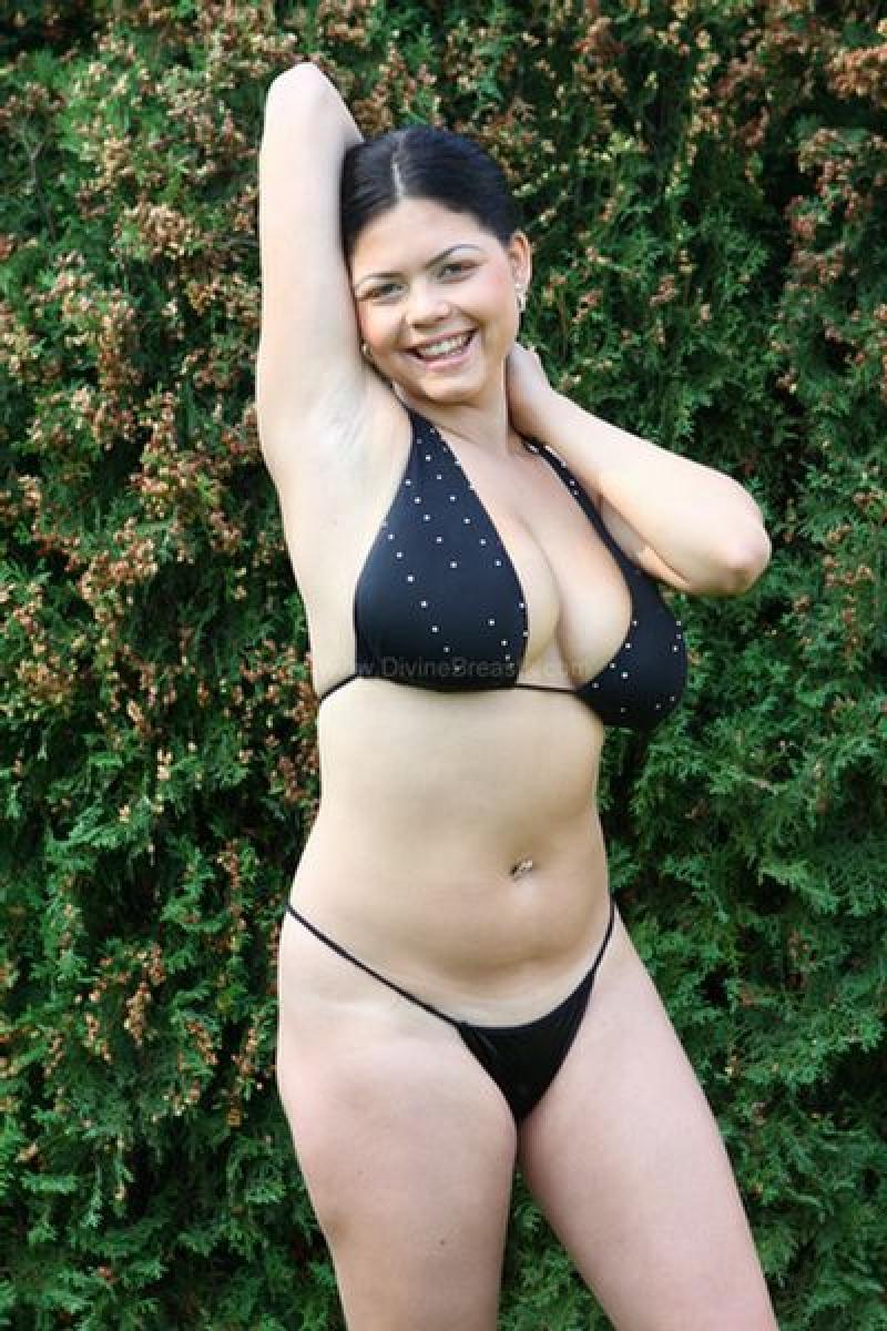 Shione cooper bikini