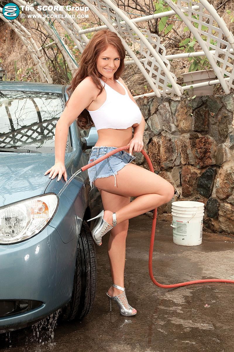 Busty ellen car wash idea