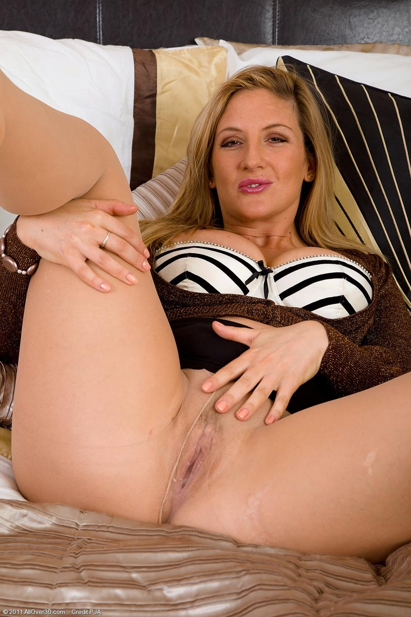 Mature wives stockings