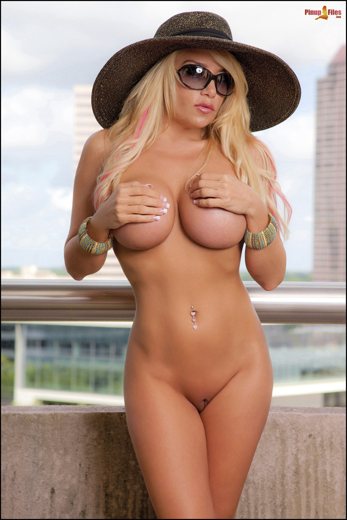 Nicole Moser Is A Baltimore Based Bikini Babe And Rockin Glamour