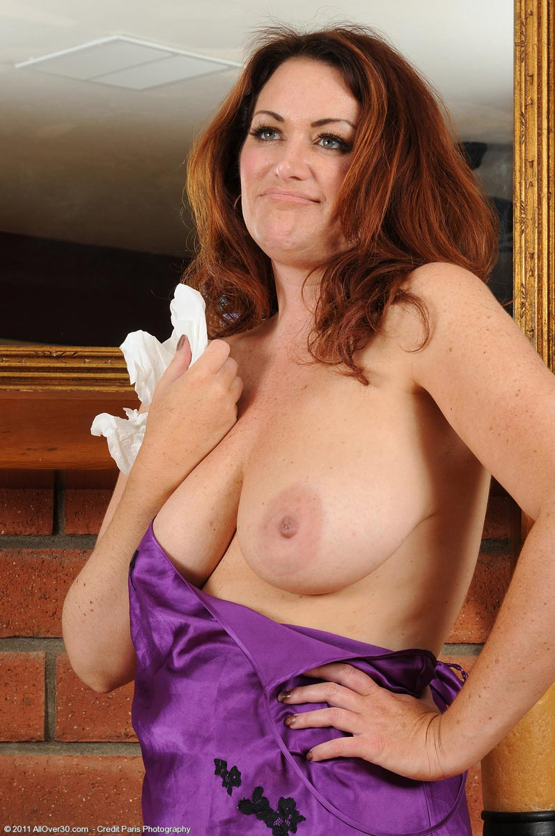 Pics Of Busty Amateur Housewives