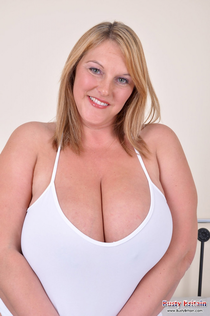 natural busty