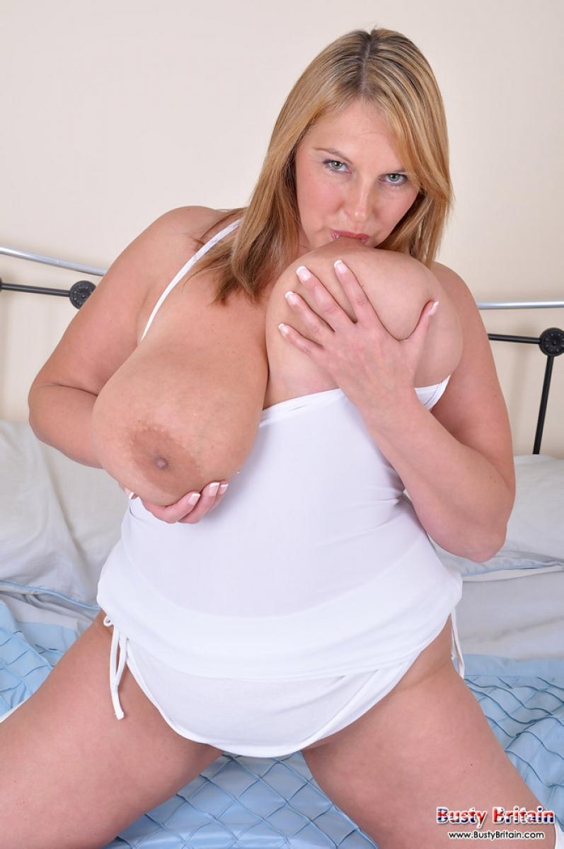 Milf huge natural tits