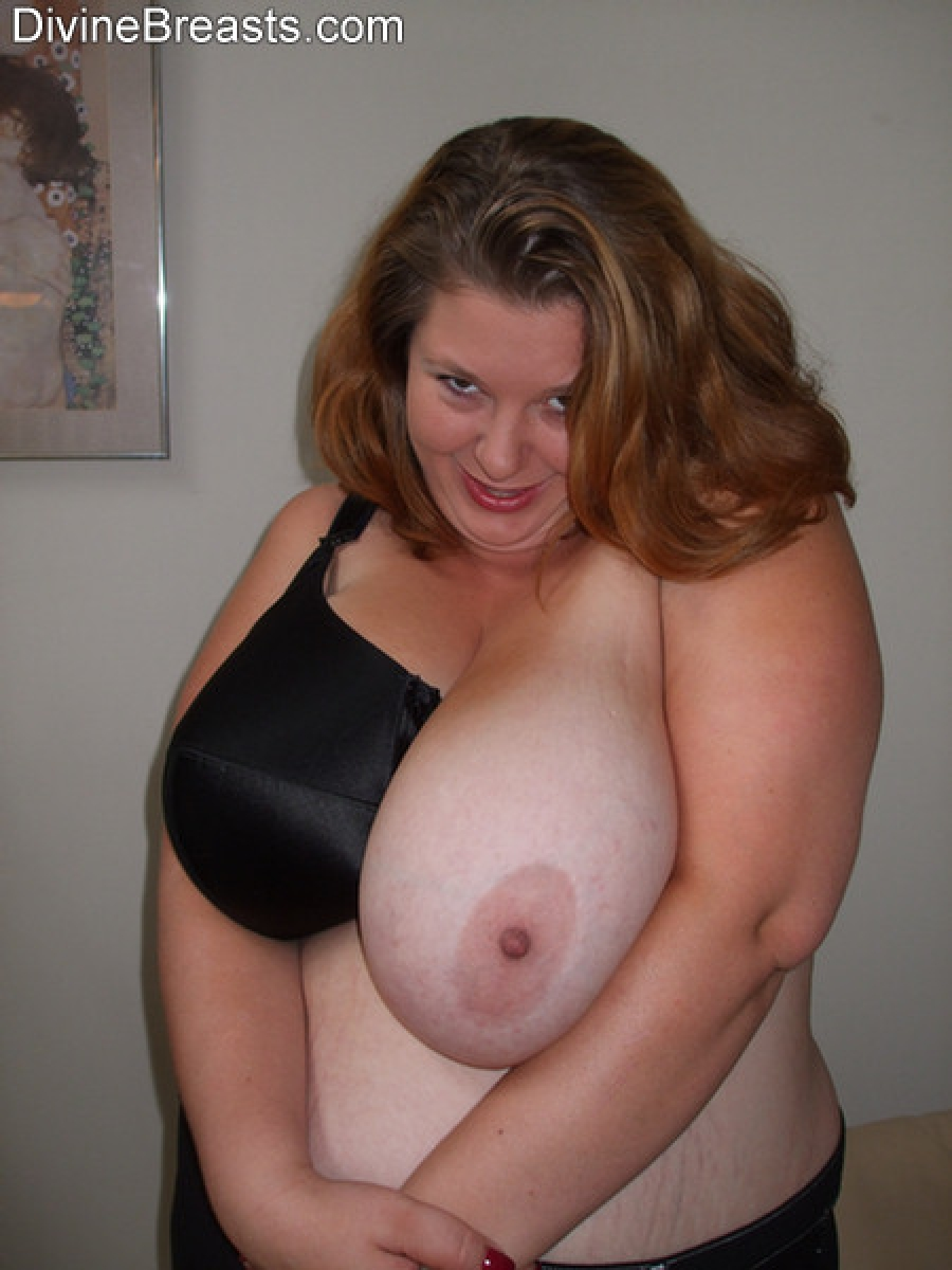 Heavy hangers breasts free sex show