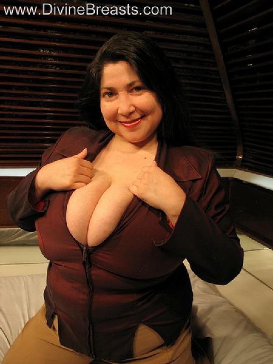 Самая сисястая женщина 5 фотография