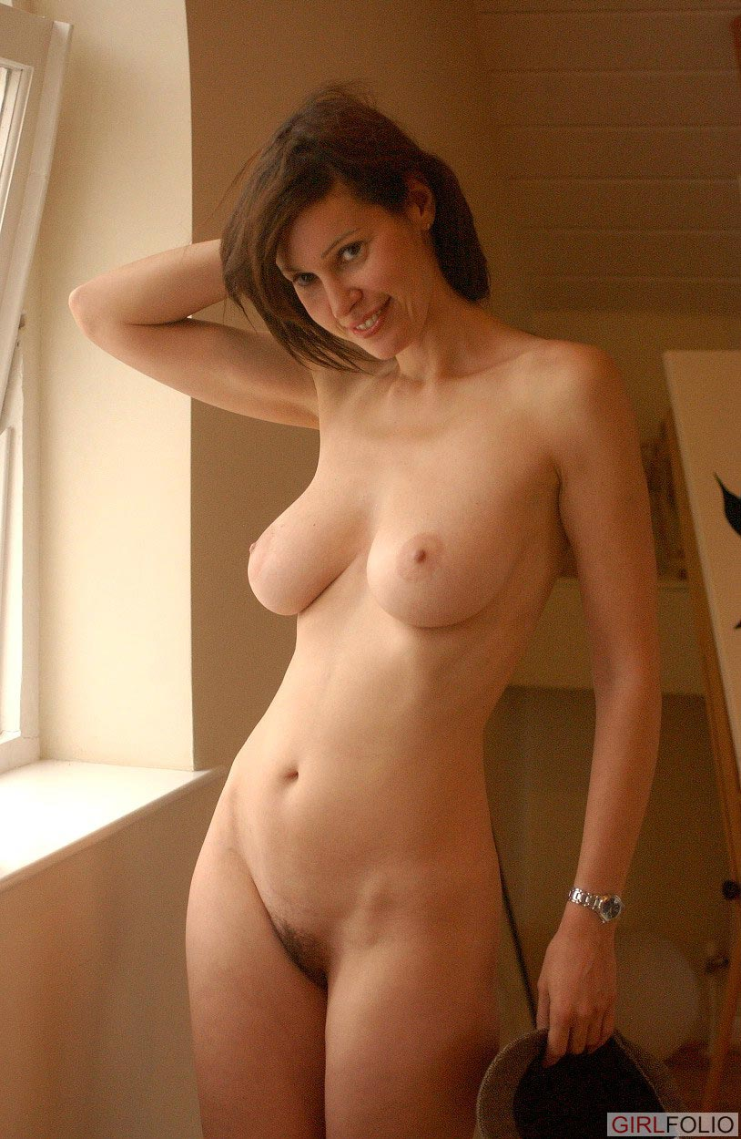 Girls with nice round tits