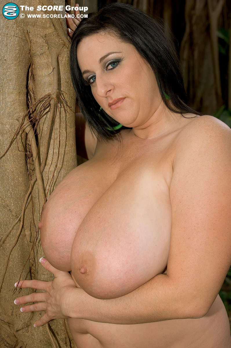 kitty lee nude pictures at JustPicsPlease