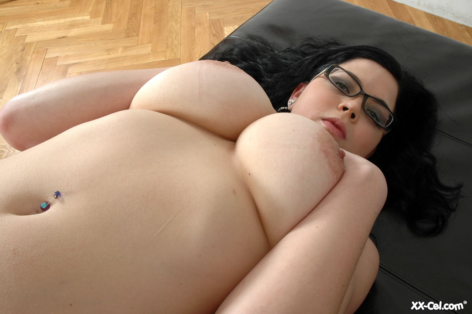 Apologise, sexy busty girls in glasses nude