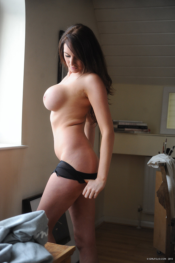 Tight bodied brunette perfection Shannon Smith strips off her tight ...