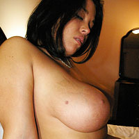 busty-amateur-naked-in-bed