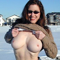 busty-amateur-wife-dawn-allison-flashes-her-tits-in-public