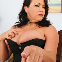 busty-milf-dominatrix-angelica-sin