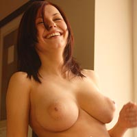 iga-wrywal-takes-off-her-clothes