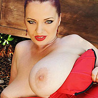 joanna-bliss-takes-off-her-tight-red-corset