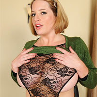 maggie-green-shows-tits-in-the-office
