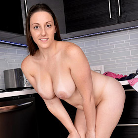 Melanie Hicks Kitchen Striptease