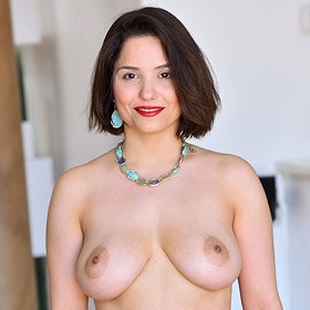 Mitzi Hot Cougar in Lingerie